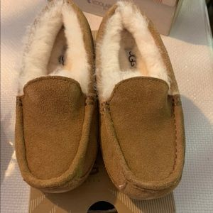 Kids Ugg's brand new size 1 in box